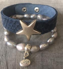 Leren armband Croco met zilverkleurige ster stud. Navy /blauw.