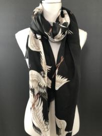 "Mooie grote langwerpige sjaal.  ""Kraanvogels"", Zwart."