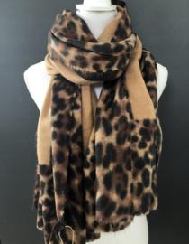 Langwerpige super soft sjaal . Camel met Luipaard (panter) randen.