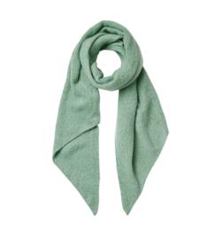 Langwerpige  super soft sjaal met schuine uiteinden. Zacht (oud) groen.