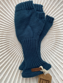 Knit Factory, gebreide handwarmers / wanten zonder vingers. Petrol blauw