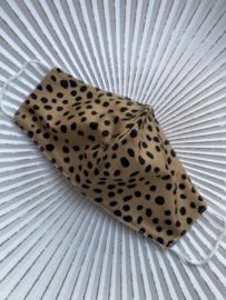 Mondkapje van de groothandel. Halfrond model, cheeta print, bruin.