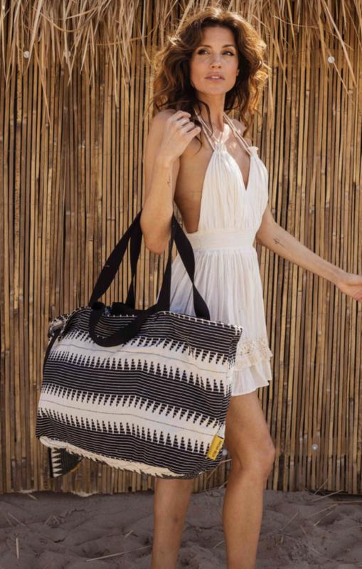 Mycha Ibiza, Méga, super grote strandtas + minitasje. Zwart - ecru brede zigzag