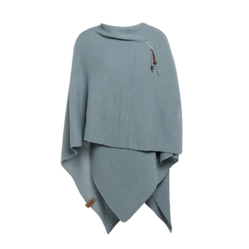 Super grote omslagdoek van het mooie merk Knit Factory.  Stone green / Oud Blauw.
