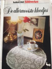 VERKOCHT | 1978 | Haken | Boeken | Haken met handwerken 'De allermooiste kleedjes'