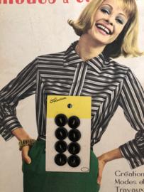 Knopen | Zwart | 12 mm - knopenkaart Paris Selection 8 knoopjes met twee gaatjes | jaren '50