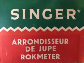 Naaigerei | Singer rokkenspuit - rokkenmeter in doos  60s