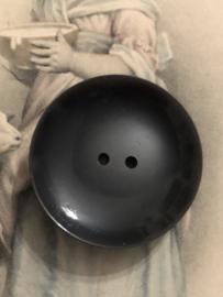 Knopen | Zwart 30 mm knoop met reliëf randje | jaren '50