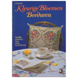 1981 | Ondori | Kleurige bloemen borduren