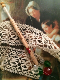 1995 - Houten kantklosje Alban  Lacemakers' Lace Day St. Albans Christmas