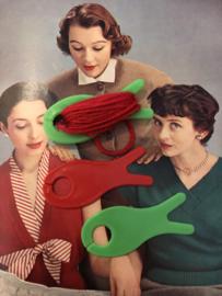 Breien | Vintage groene en rood breivisje(s) 3 stuks -verschillende maten jaren | 6 cm jaren '60