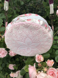 "Handmade | Rond tasje ""Lace Roses"" - Made with Love"