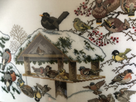 Schilderij | Borduurwerk | Vogels | 'Winterwonderland' : winterlandschap met vogeltjes