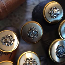 Goud & Zilver | 7 stuks metalen knoop met wapen Leeuw |  10 mm |  jaren '50
