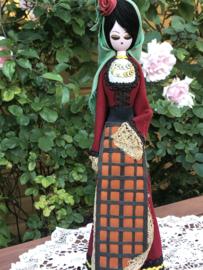 Bulgarije | Poppen | Houten vintage klederdrachtpop - handwerk 'Iglika'