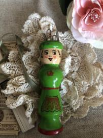 Breien | Punnikpoppetje | Groen | Vintage vrolijk poppetje 'Claudette'  uit Frankrijk '60-'70