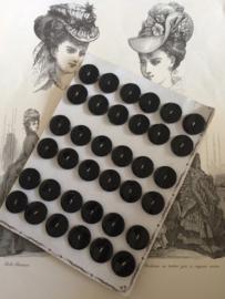 VERKOCHT | Knopen | Zwart Antiek knopenkaartje met  36 stuks prachtige glanzende bakelieten knopen | Art Deco | 1910-1920
