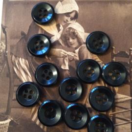 VERKOCHT | Knopen | Zwart 12 mm | Espolite zakje met 12 kleine plastic knoopjes vier gaatjes | | jaren '50