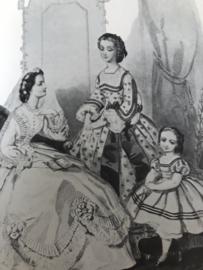 Boeken   Mode geschiedenis   Trouwen in het wit: twee eeuwen bruidskleding 1765 tot 1976