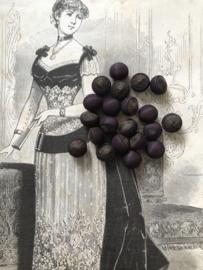 Knopen | Rood - 11 mm - Antieke bordeauxrode en bruine handgemaakte zijden stoffen knoopjes zonder oogje - 19e eeuws medio 1881