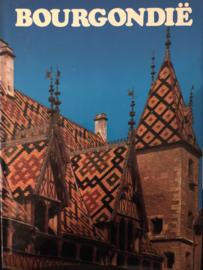 Boeken | Frankrijk| Bourgondië met 200 kleurenfoto's - Tekst van Jean Valbonne