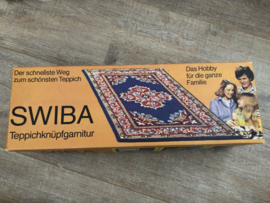 Tapijt knopen | Vintage Swiba tapijtknoopset