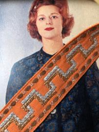 Band | Oranje | Vintage sierband 'Trengereid' met goud/zilver en bruine accenten (2,5 cm) - jaren '60