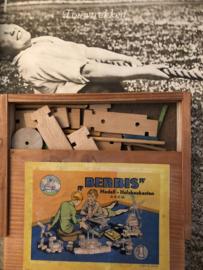 Speelgoed | 1930 | Berbis Modell - Holzbaukasten D.R.G.M. hout bouwdoos