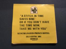 Hotel In Java Solo - vintage naaldenboeke - monding kit Indonesië -  met leuke tekst | needlebook