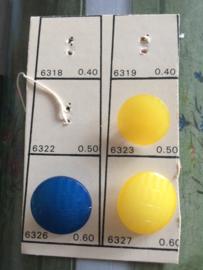 Knopen | Geel en Blauw | Knopenkaart 3 knoopjes met haakje | 15 mm | Vintage jaren '50