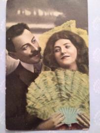 1903 - Antieke briefkaart romantiek man met snor en brunette