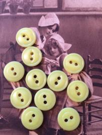 Knopen |  Geel |  12 mm 2 gaatjes | zakje Espolite vintage knopen jaren '50  met 12 kleine plastic knoopjes