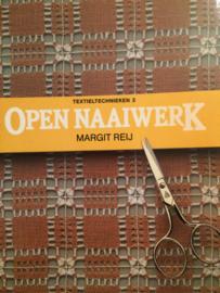 VERKOCHT | Boeken |  Borduren | Vintage | 1986 | Open naaiwerk | Margit Rey