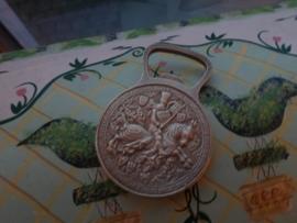 Messing | flesopener "Herdenkingsmunt" man op paard