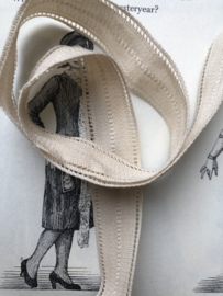 Band | Wit | Antiek gebroken wit superzacht frans band (18 mm) - lengte 75 cm