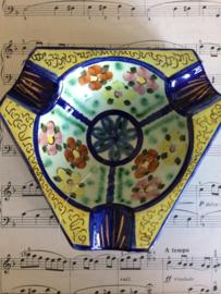 "Antieke ""Old Dutch"" driehoekige aardewerk asbak | jaren '20"
