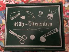Naaidozen | Groen houten Duits naaidoosje  '60-'70