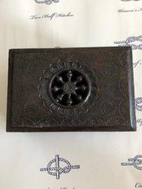 1920 | Frankrijk | Houten doosje uit Bretagne | Original Antique Breton wooden carved box Art Deco