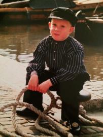 Nederland | Spakenburg - klein jongetje in Spakenburgs kostuum