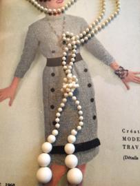Kralenketting | Ivoor wit - lengte 44 cm. | jaren '60 - Vintage