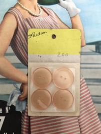 Knopen | Roze 20 mm Paris Selection knopenkaartje met 4 knopen 2 gaatjes | jaren '50
