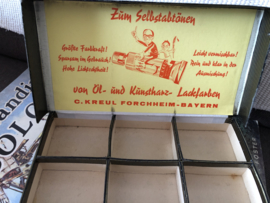 1905 | Antiek kartonnen doosje C. Kreul Forchheim - Bayern  voor verftubes