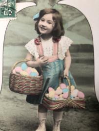 Frankrijk | Pasen | 'Hereuses Paques' G.B.A 579: Lief meisje met mandje paaseieren en bel (ca. 1900-1910)