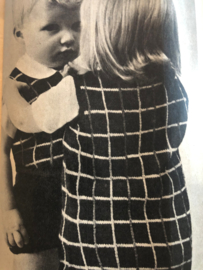 Ariadne: maandblad voor handwerken | 1967 - nr. 241 15 januari 1967