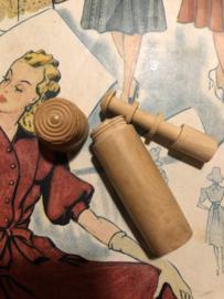 Naaldenkoker | Hout | Houten (grenen - glad) naainecessaire - compendium - 1920-1940 - 6  cm