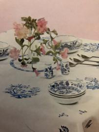 BURDA | Folklore | Borduurpatroon voor tafellaken blauw folklore motief  - AUFBUGELMUSTER 540