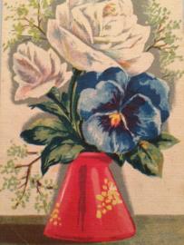 1940 - Vintage kaart vaas met bloemen witte rozen en viooltje in rood vaasje