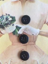 VERKOCHT | Knopen | Zwart 12 mm Espolite zakje met 12 kleine plastic knoopjes vier  gaatjes | jaren '50