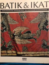 Boeken | Indonesië | Textiel | Batik & Ikat - Bedrich Forman - Indonesische textielkunst, eeuwenoude schoonheid