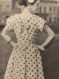 Naaien | Dameswereld: mode-vakblad voor naaisters, coupeuses en allen, die belang hebben bij het dameskledingvak